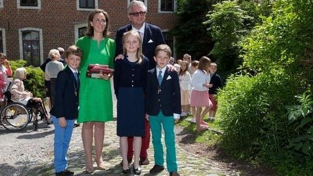 Laurent de los Belgas reaparece un mes después de estar en coma