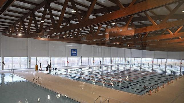 Las piscinas m s espectaculares de madrid for Piscina municipal aluche