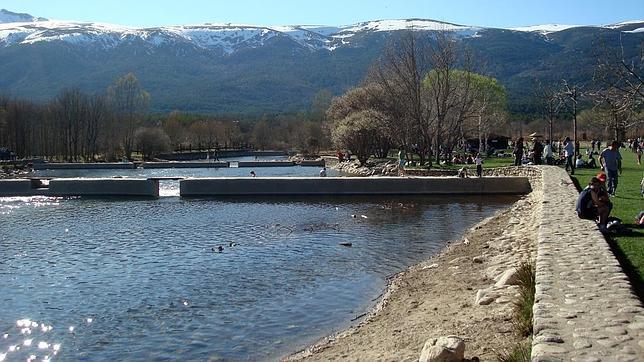 Las piscinas m s espectaculares de madrid for Piscinas naturales el paular