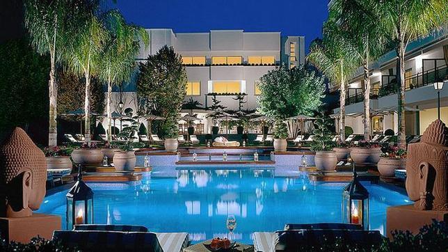 Las mejores piscinas de hotel en espa a for Piscinas que se esconden