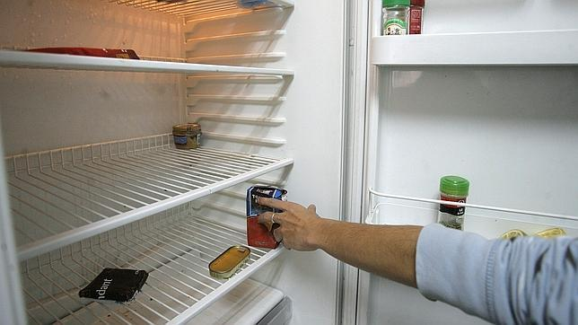 Así se limpia (a fondo) un frigorífico