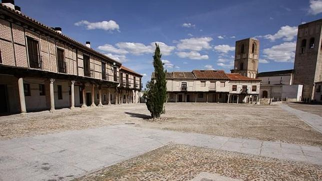 Veinte de las plazas porticadas más bellas de España