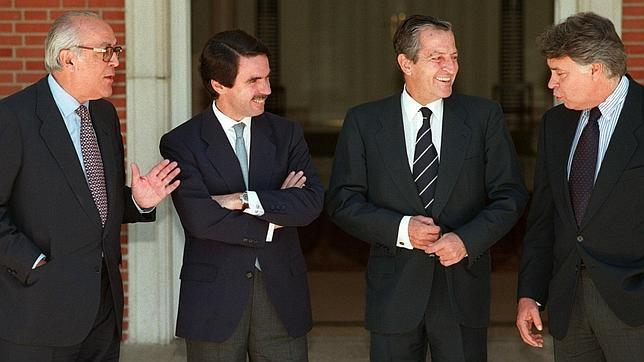 ¿Cuánto mide Felipe González? - Altura - Página 3 Presidentes-gobierno--644x362