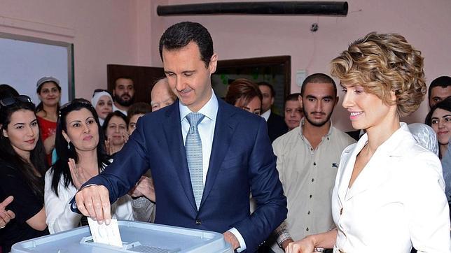 10.000 palestinos huyen ante la amenaza de Israel - Página 6 Assad-votando--644x362
