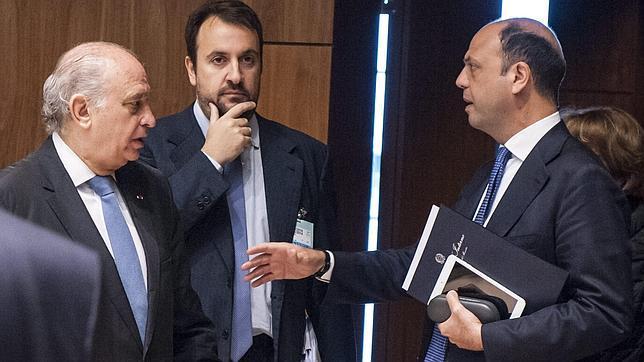 España insiste en pedir ayuda financiera a la UE para afrontar la presión migratoria
