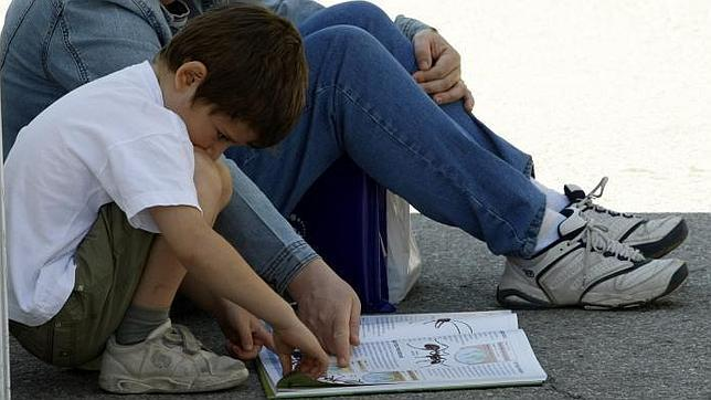 Un nuevo método para ayudar a los niños disléxicos a «normalizar» su lectura