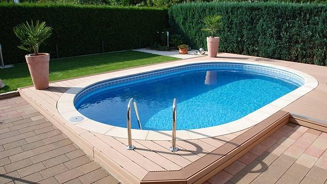 Diez trucos para ahorrar al poner en marcha tu piscina for Como hacer una piscina barata