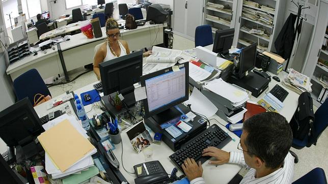 Un decreto fijará la duración media de las bajas laborales para frenar el absentismo