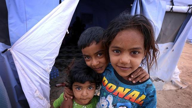 Niños iraquíes refugiados en un campamento en Nínive, en el norte del país, tras la ofensiva yihadista