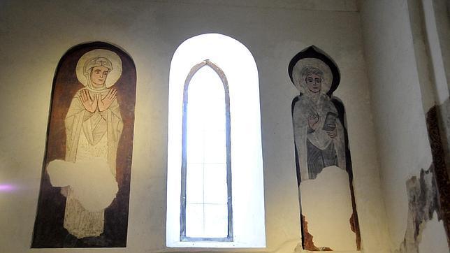 Las pinturas murales realzan la mezquita del Cristo de la Luz