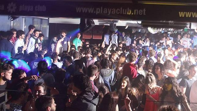 El Playa club, hasta la bandera