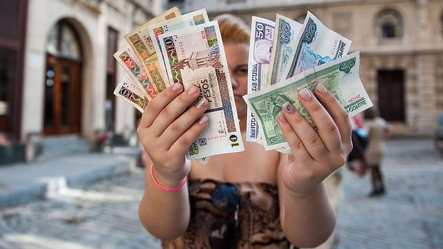 El salario medio cubano sube un 1% pero no llega a los 15 euros mensuales