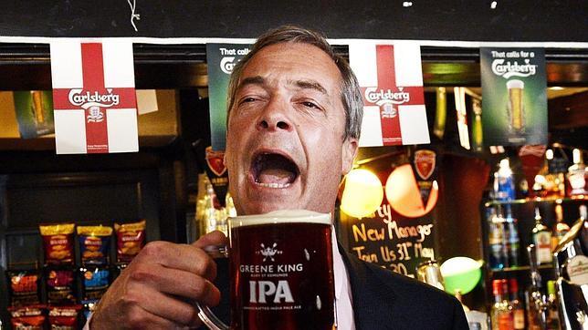 El líder del Partido por la Independencia del Reino Unido, Nigel Farage