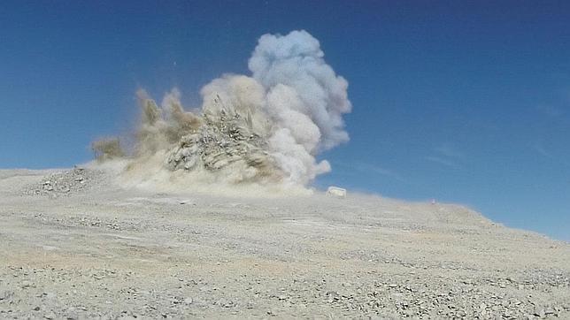 Vuelan una montaña para construir el telescopio más grande del mundo en Chile