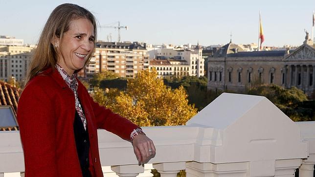Doña Elena en el reportaje que se hizo con motivo de su 50 cumpleaños