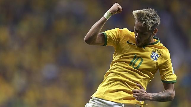 Show de Neymar y Brasil a octavos