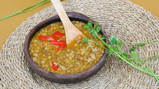 Lentejas con arroz integral, el plato de la eterna juventud
