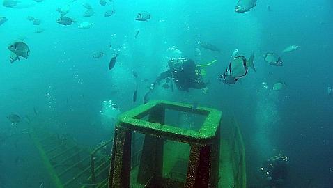 Hunden 4 barcos de la Armada para crear un «parque temático» de buceo