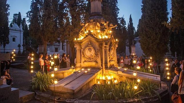 Noches a lo «Mary Shelley» entre las tumbas de la Sacramental de San Isidro