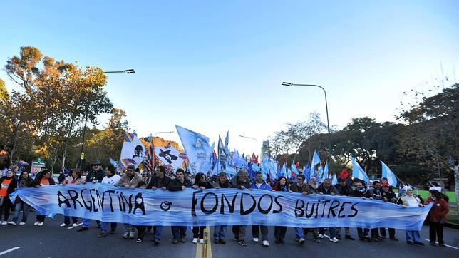 Cronología de una deuda: cómo Argentina entra en suspensión de pagos técnica