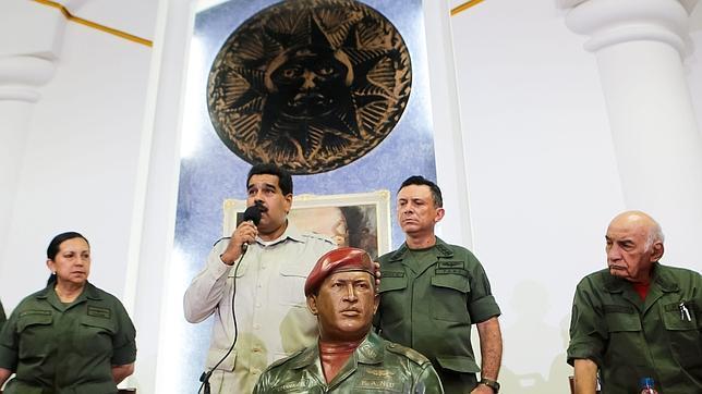 Militares chavistas retirados reclaman la destitución de Maduro