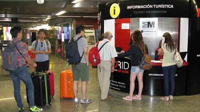 La oficina de turismo en la puerta del sol bate su r cord for Oficina de turismo de portugal en madrid