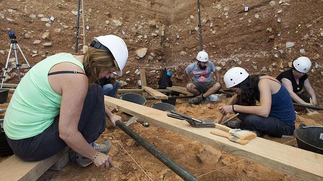 Trabajos en la Gran Dolina, donde se halló la famosa especie Homo antecessor