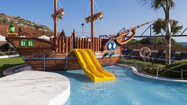 Un rincón del hotel Royal Son Bou, en Menorca