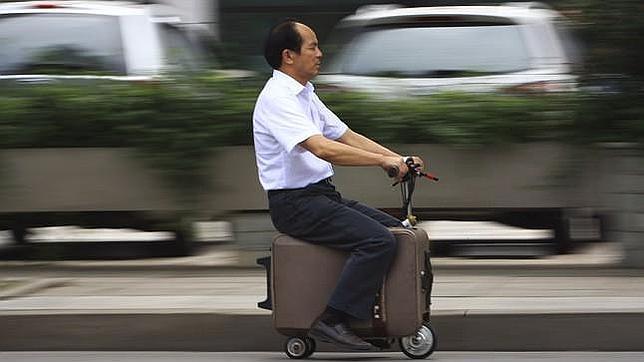 UN AGRICULTOR CHINO INVENTA LA MOTOMALETA