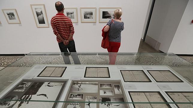 Valladolid recoge las 135 imágenes más emblemáticas de la obra del fotógrafo Lartigue