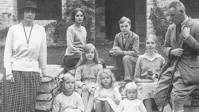 Decca: la quinta de las hermanas Mitford