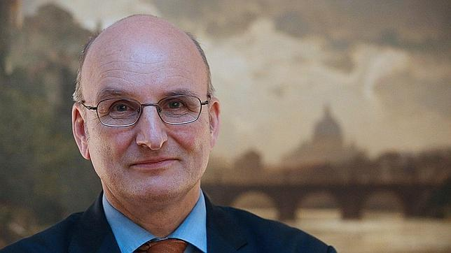 El banco del Vaticano cierra 396 cuentas y bloquea otras 2.000