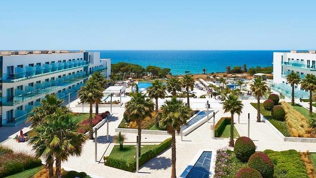 Los diez mejores hoteles de playa de espa a 2014 for Hoteles en conil con piscina