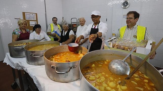 Mercadona entrega 700 kilos de alimentos para los ni os de - Comedor social de triana ...