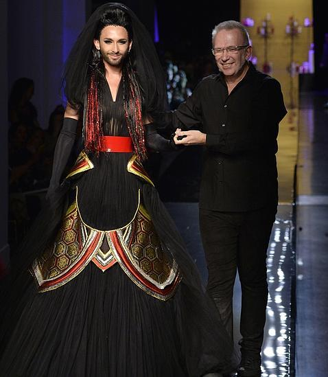 http://www.abc.es/Media/201407/09/conchita-wurst-jean-paul-gaultier--478x550.jpg