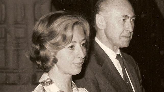 Eduardo de Rojas, V conde de Montarco, junto a su hija Blanca, VI condesa
