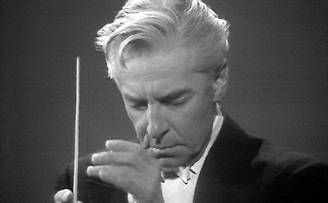 Karajan, durante un concierto con la Filarmónica de Berlín