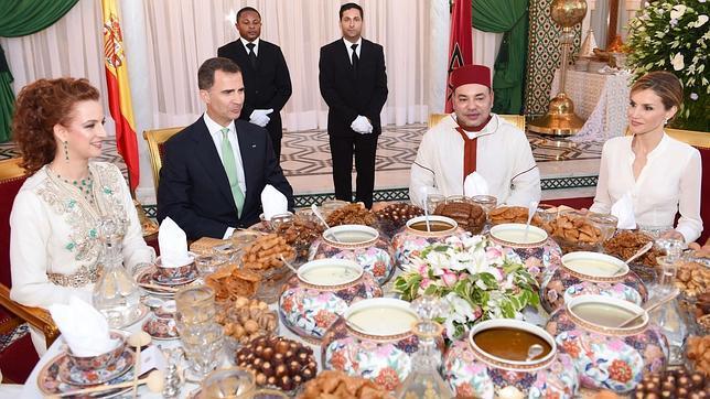 Qué comieron los Reyes para romper el ayuno del Ramadán en su visita a Marruecos