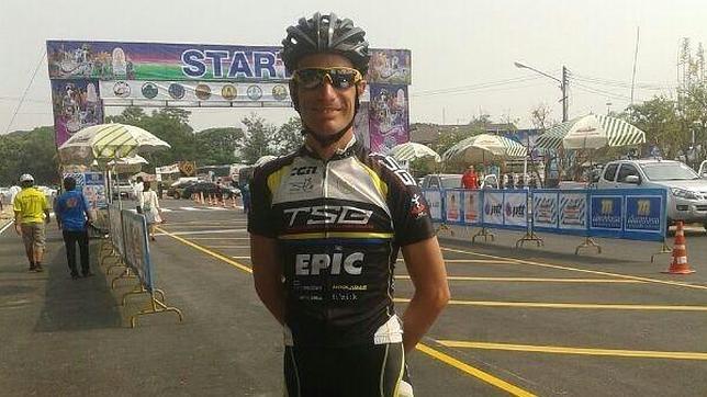 De Jonge, el ciclista que se salvó dos veces de la tragedia de Malaysia Airlines