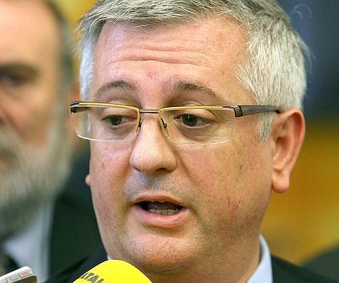 El juez imputa a xavier martorell por usar fondos del for Juzgados de martorell