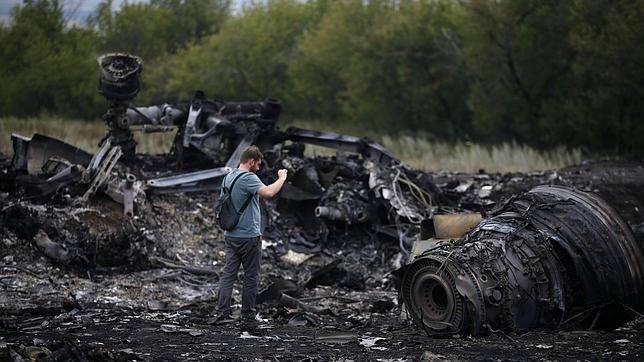 # RUMOR DE GUERRA: Seguimiento vuelo MH17 Avion-periodista--644x362