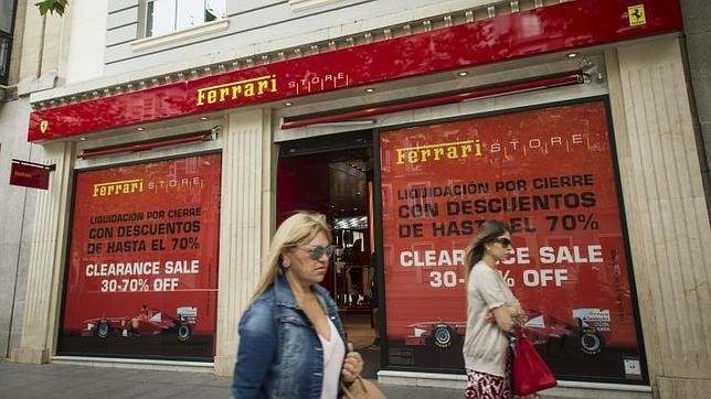 Ferrari liquida por cierre su tienda en la milla de oro de - Liquidacion cocinas por cierre ...