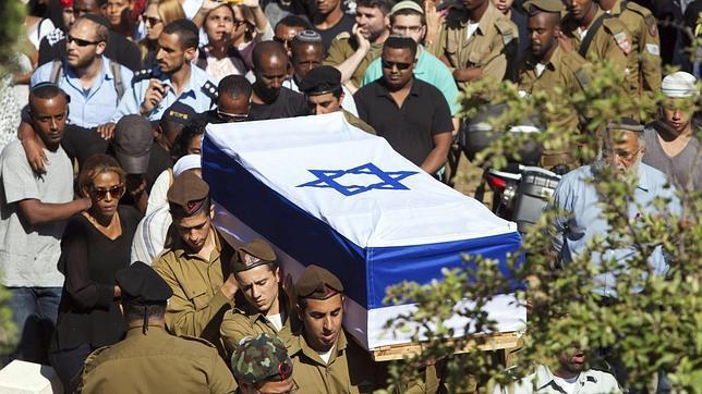 El aumento de las bajas acelera los contactos para un alto el fuego en Gaza