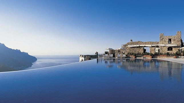 Las piscinas infinity m s alucinantes de espa a y del mundo - Apartamentos con piscina en galicia ...