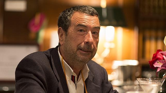 José Luis Garci: «El nacionalismo es un mundo pequeño y estrecho»