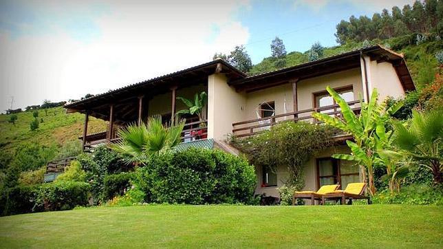 Hotel en asturias solo tres habitaciones con las mejores for Hoteles con piscina asturias