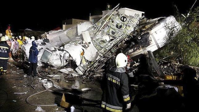 Al menos 48 muertos en un accidente de avión en Taiwán