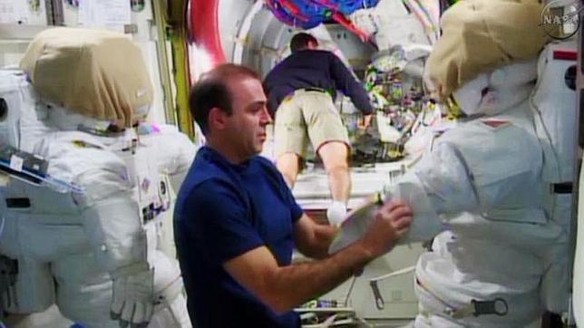 ¿Cómo hacen la colada los astronautas en el espacio?