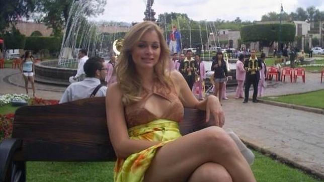 Holandeses piden que se deporte a la hija de Putin, que vive en el país con su novio