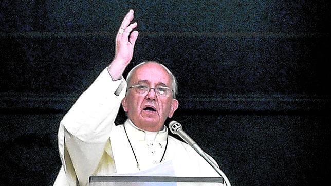 Francisco clama: «Parad la guerra»